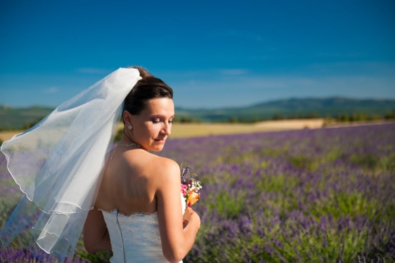 Bride-in-lavender-field-03