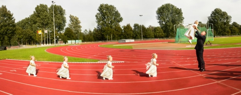 Panoramic-wedding-photography-child