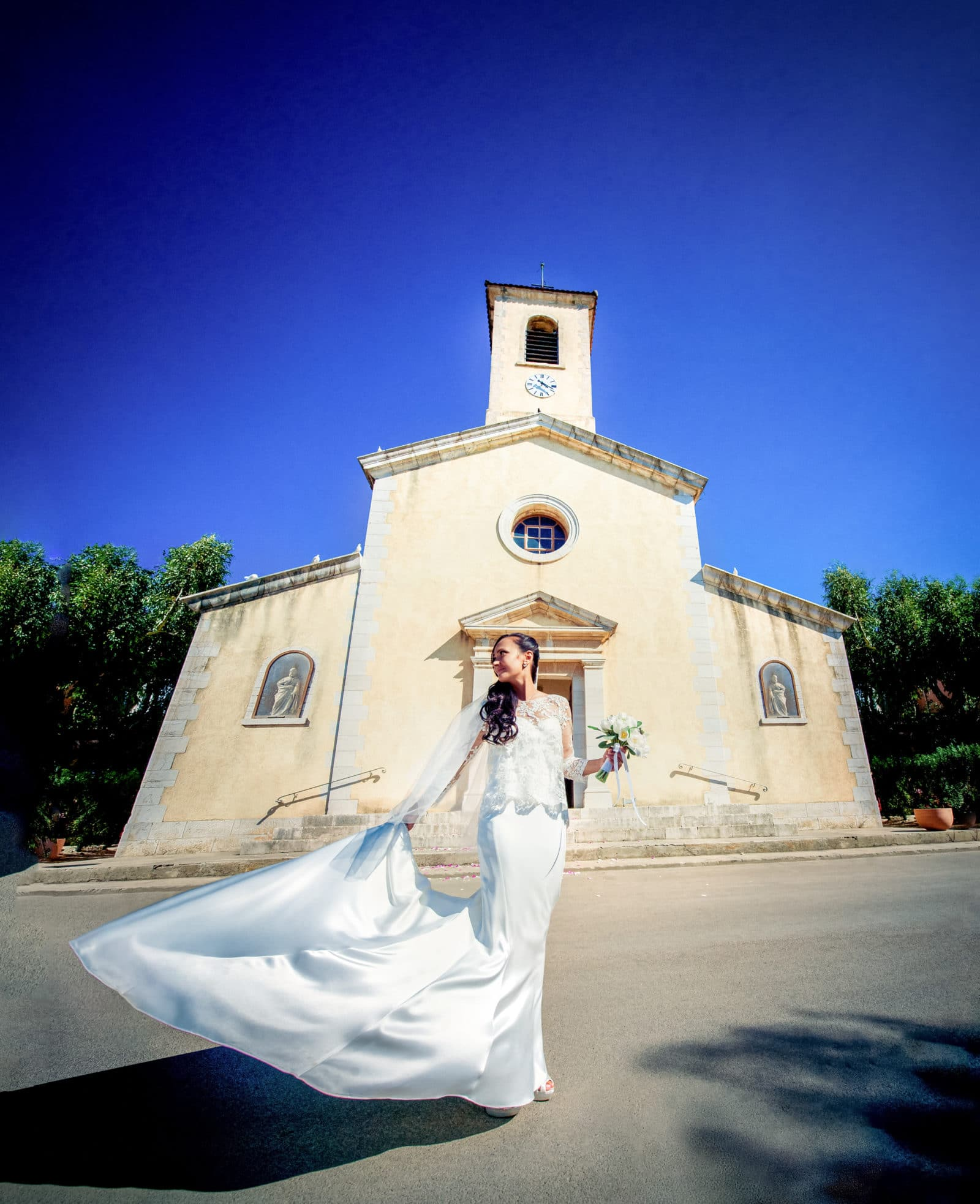 a-wedding-at-the-church-of-porquerolles-sainte-anne-eglise-4